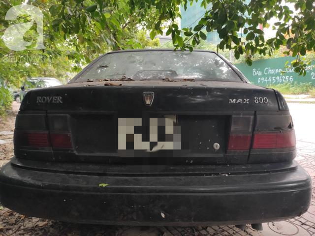 Cận cảnh nhiều xe sang hiệu Mercedes, BMW, Camry hết đát bị vứt bỏ trên vỉa hè Hà Nội - Ảnh 10.