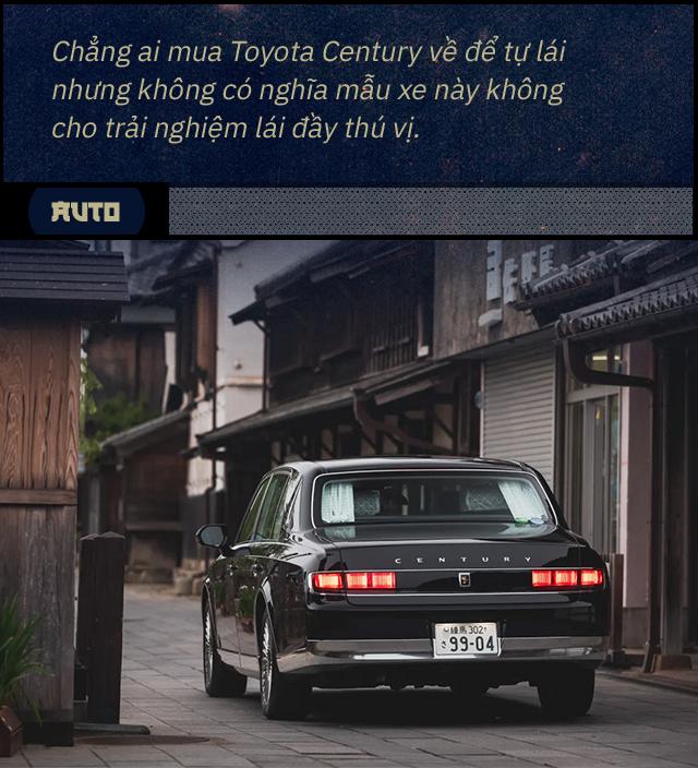 Đánh giá Toyota Century khi hết ga, hết số với 1 bình xăng: Đây không phải 'Rolls-Royce của người Nhật' - Ảnh 4.
