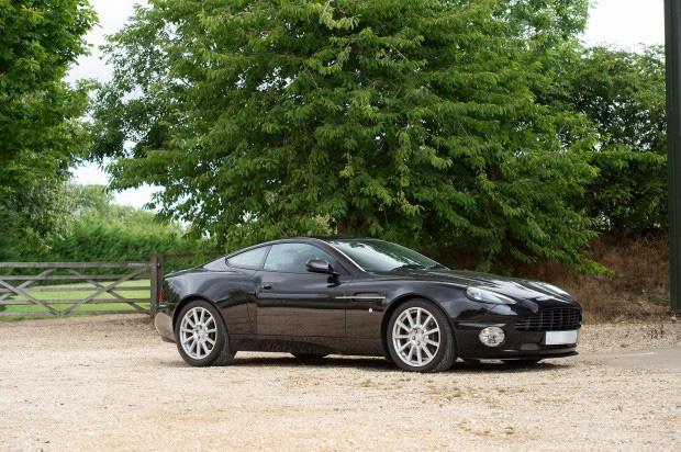 Bộ sưu tập xe cổ quý hiếm của Anh rao giá 72 tỷ - Ảnh 3.
