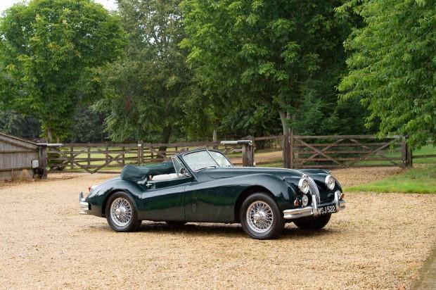 Bộ sưu tập xe cổ quý hiếm của Anh rao giá 72 tỷ - Ảnh 6.