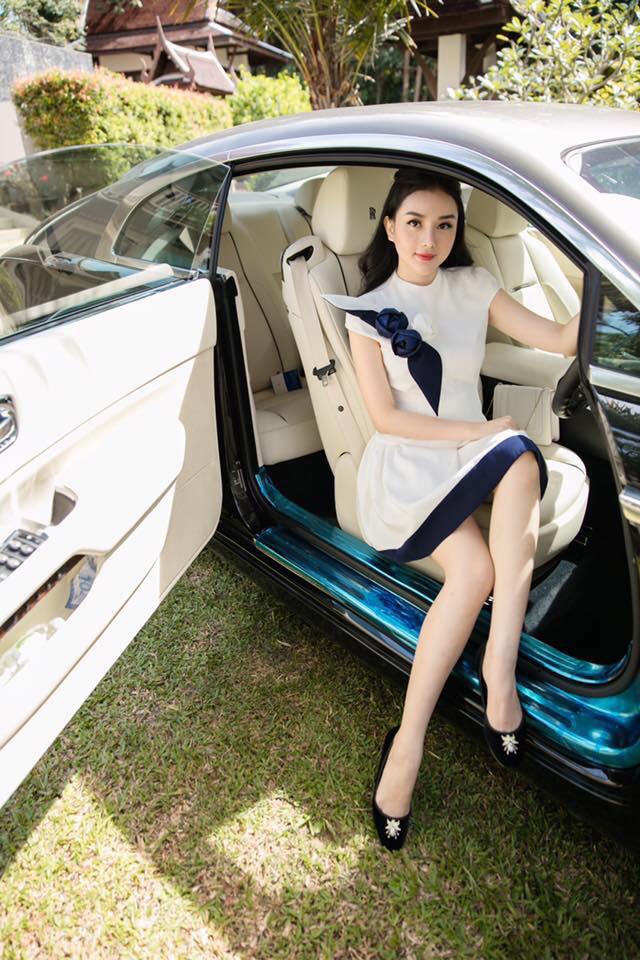 Dàn siêu xe và xe sang đắt đỏ của nhà hot girl Việt lấy chồng người Thái Lan - Ảnh 1.