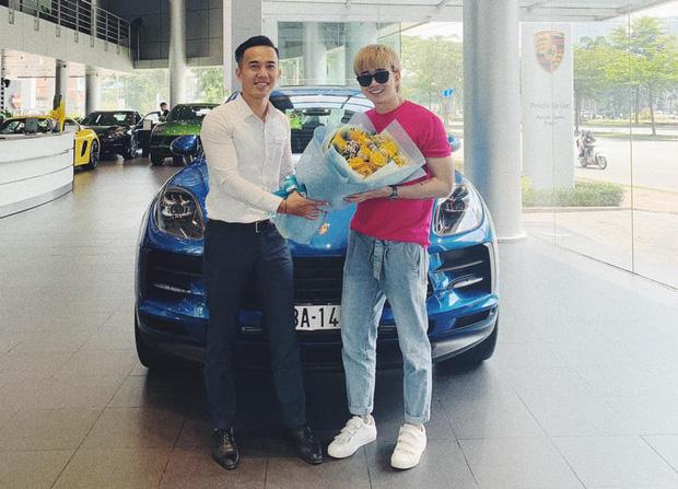 Chi Dân khoe Porsche bạc tỷ mới tậu, Bình An, S.T Sơn Thạch cùng dàn sao Việt trầm trồ - Ảnh 1.