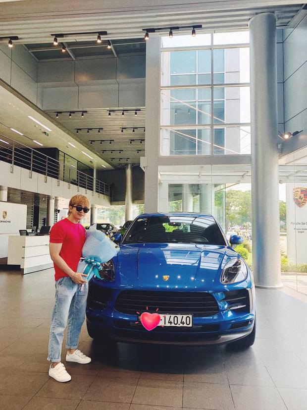 Chi Dân khoe Porsche bạc tỷ mới tậu, Bình An, S.T Sơn Thạch cùng dàn sao Việt trầm trồ - Ảnh 2.