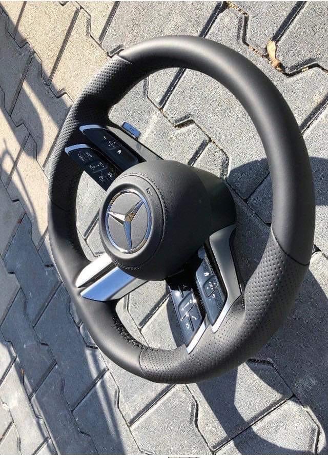 Mercedes-Benz S-Class thế hệ mới lộ vô-lăng, nhiều đường nét giống... Mazda3 2019  - Ảnh 2.