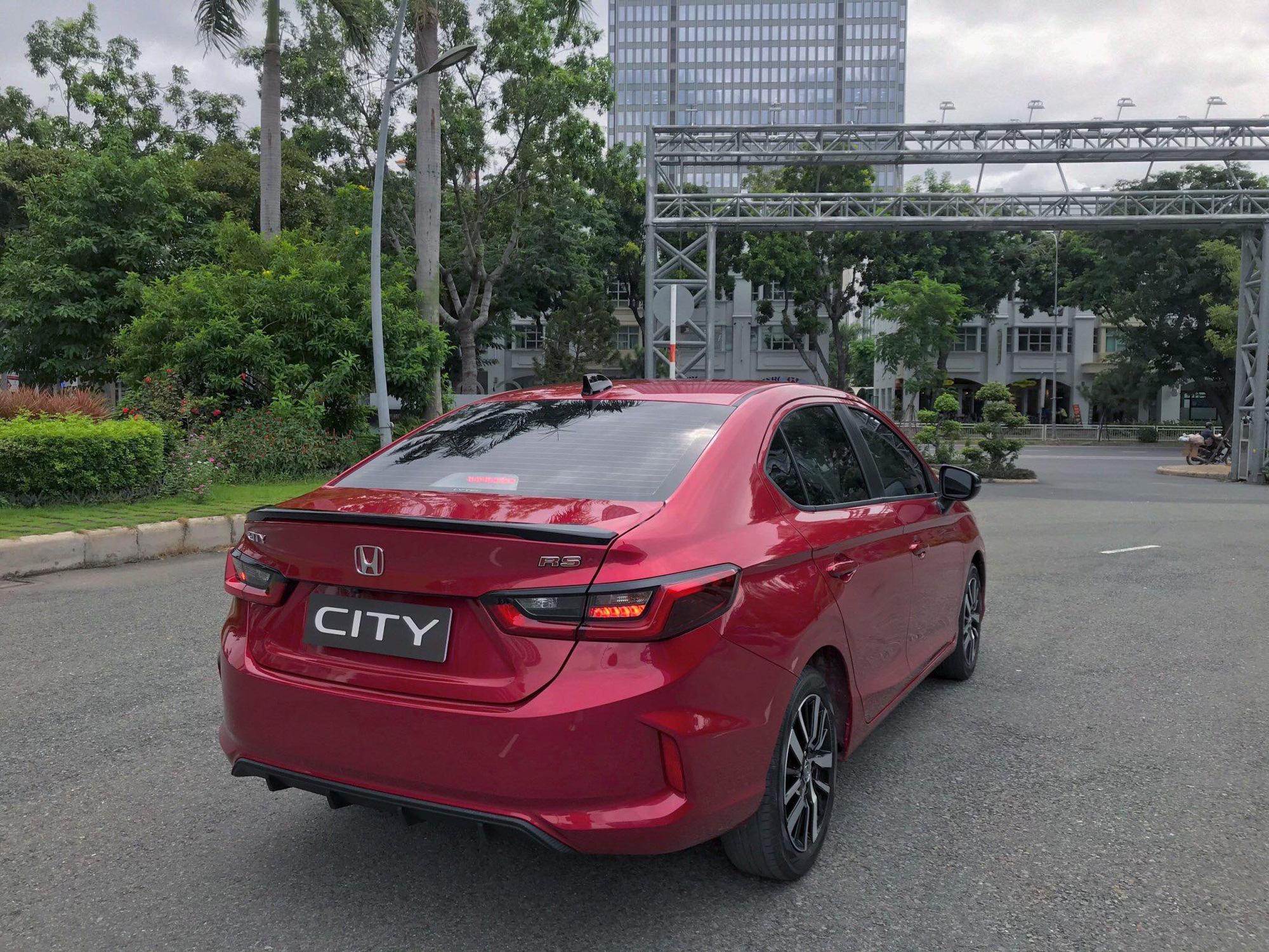 Honda City RS từng lộ diện trên đường phố Sài Gòn.