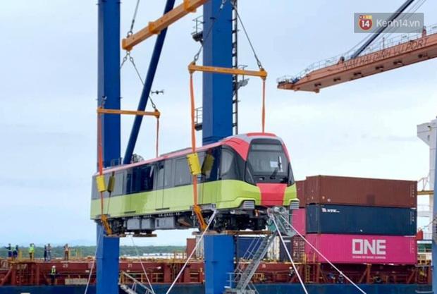 Đoàn tàu đầu tiên dự án metro Nhổn - Ga Hà Nội về đến Việt Nam - Ảnh 8.
