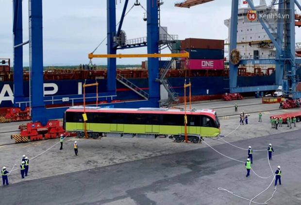 Đoàn tàu đầu tiên dự án metro Nhổn - Ga Hà Nội về đến Việt Nam - Ảnh 9.