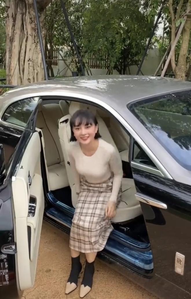 Chiếc xe Rolls-Royce Wraith có giá khoảng 30 tỷ