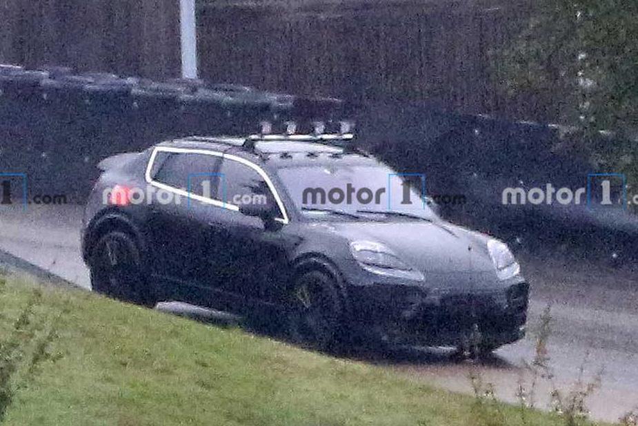 'Tóm gọn' Porsche Macan phiên bản dành cho người không muốn tốn tiền đổ xăng