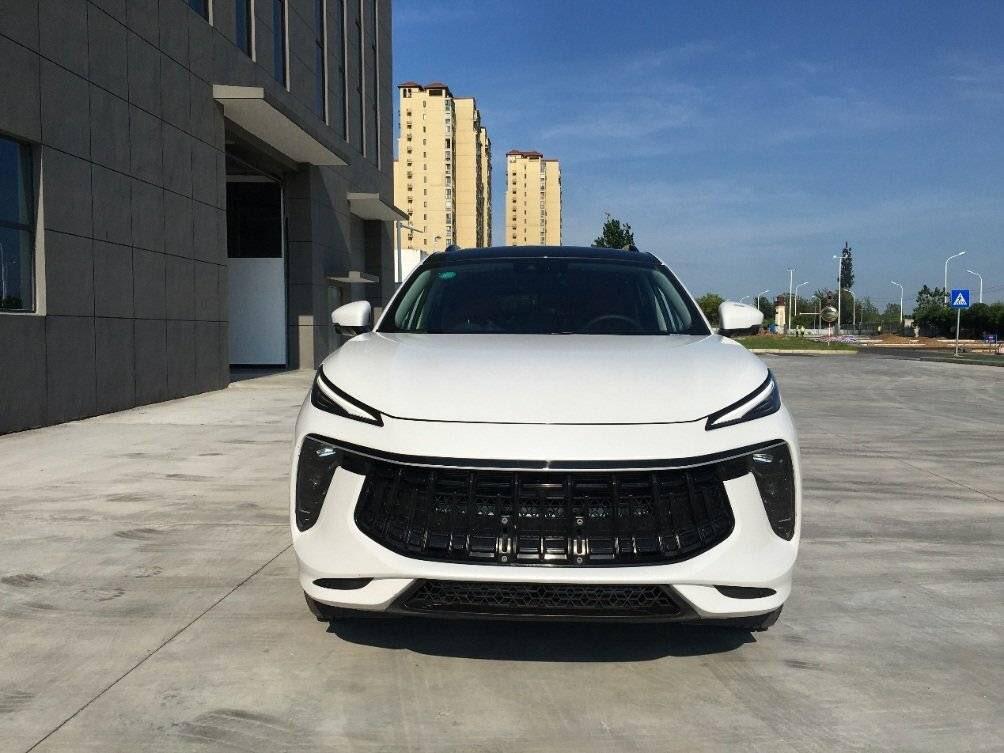 Dongfeng SX5G lộ diện ngoài đời thực.