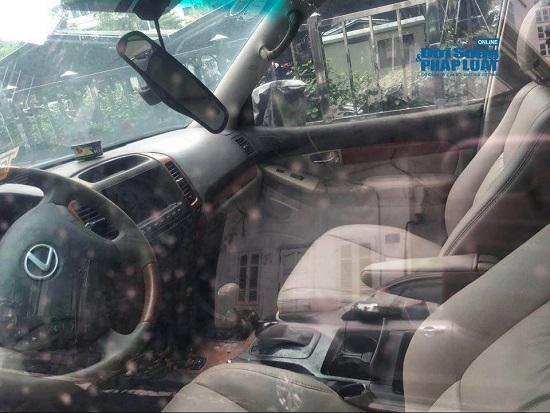 Hà Nội: Xót xa nhìn Bentley, BMW tiền tỷ bị chủ nhân bỏ quên, chịu cảnh dầm mưa, dãi nắng - Ảnh 18.