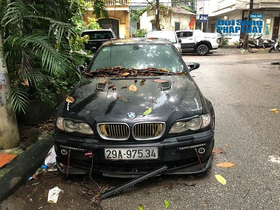 Hà Nội: Xót xa nhìn Bentley, BMW tiền tỷ bị chủ nhân bỏ quên, chịu cảnh dầm mưa, dãi nắng - Ảnh 19.