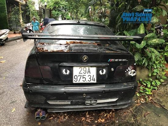 Hà Nội: Xót xa nhìn Bentley, BMW tiền tỷ bị chủ nhân bỏ quên, chịu cảnh dầm mưa, dãi nắng - Ảnh 20.