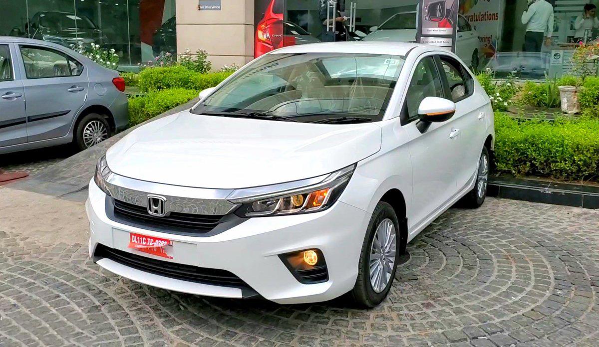 Honda City bản tiêu chuẩn tại nước ngoài.