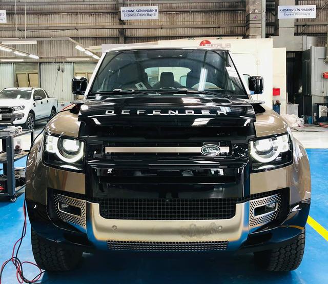Land Rover Defender 110 X đầu tiên Việt Nam giá 6,533 tỷ đồng - Xe chơi cho đại gia - Ảnh 1.