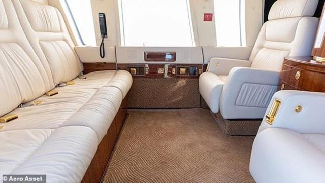 Bên trong trực thăng là nội thất sang trọng gồm cabin điều hành 6 chỗ với hệ thống cách âm hiện đại. (Ảnh: Aero Aset)