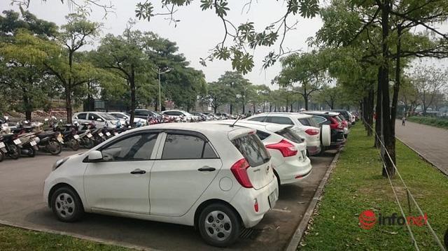 Ngân hàng rao bán combo 2 xe Camry kèm 1 xe bán tải chỉ 1 tỷ đồng - Ảnh 1.