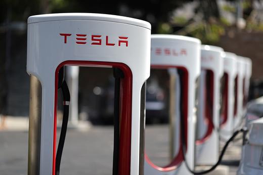 Cổ phiếu Tesla chạm mức cao nhất mọi thời đại  - Ảnh 1.