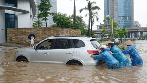 Ô tô bị ngập nước do bão lũ có được bảo hiểm bồi thường không? - Ảnh 1.