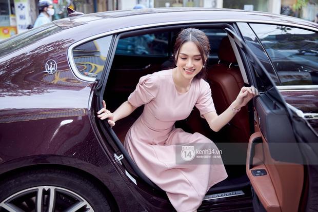 Hương Giang đi siêu xe 8 tỷ Matt Liu tặng và đeo nhẫn kim cương khủng dự sự kiện, thần sắc gây chú ý hậu drama với antifan - Ảnh 2.