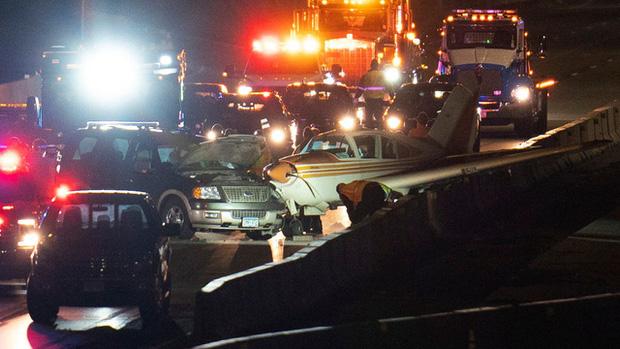 Mỹ: Hạ cánh khẩn cấp trên đường cao tốc ở Minnesota, máy bay đâm vào ô tô - Ảnh 3.