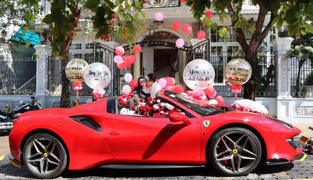 Đẳng cấp đại gia 1 năm tặng vợ 2 siêu xe: Một xe 60 tỷ, xe còn lại ở Việt Nam chưa ai có  - Ảnh 3.