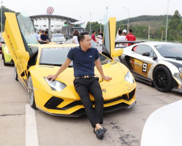 Đẳng cấp đại gia 1 năm tặng vợ 2 siêu xe: Một xe 60 tỷ, xe còn lại ở Việt Nam chưa ai có  - Ảnh 6.