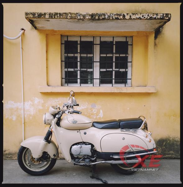 Dân chơi Hà Nội săn xe máy Nhật 28 năm tuổi đẹp như mới - Ảnh 1.