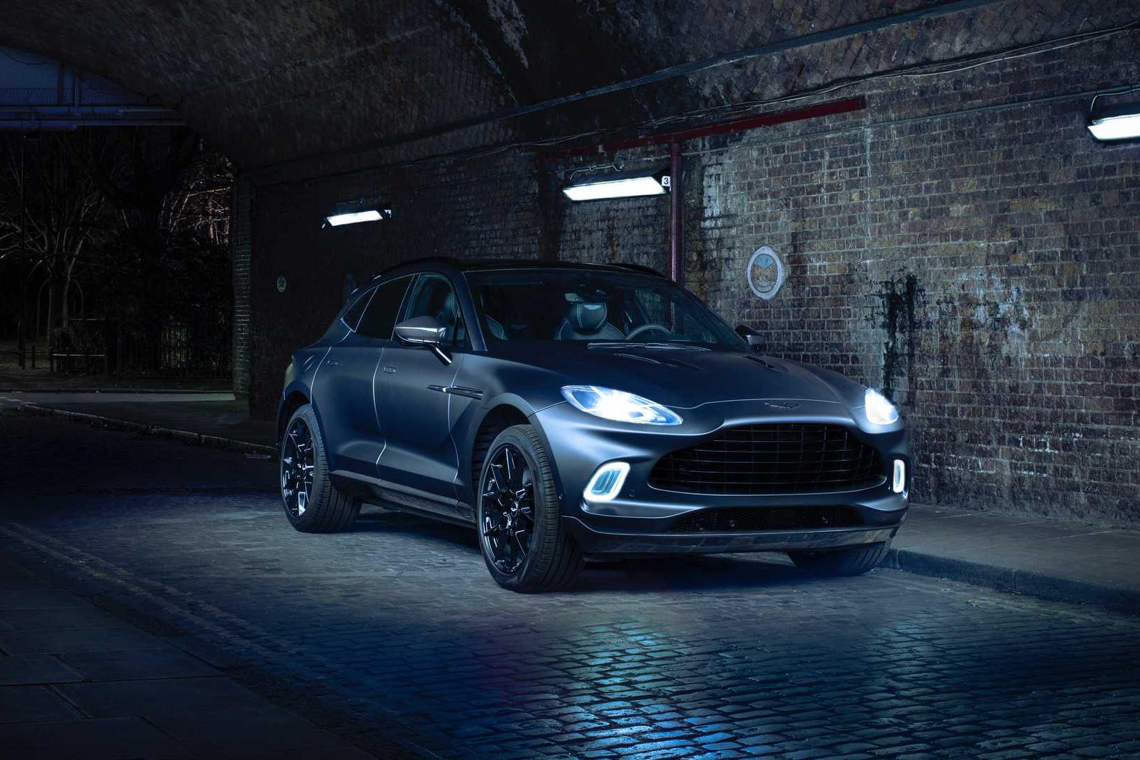 Aston Martin hạ giá khủng cho DBX và Vantage - Cơ hội hiếm cho giới đại gia