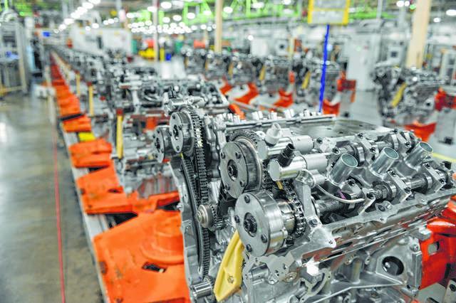 Sản xuất xe tại Bắc Mỹ, Châu Âu, châu Á gần như đóng băng vì COVID-19, Trung Quốc hồi sinh - Ảnh 2.