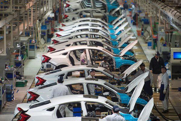 Dịch COVID-19 ảnh hưởng thế nào đến thị trường ô tô Việt Nam? - Ảnh 2.