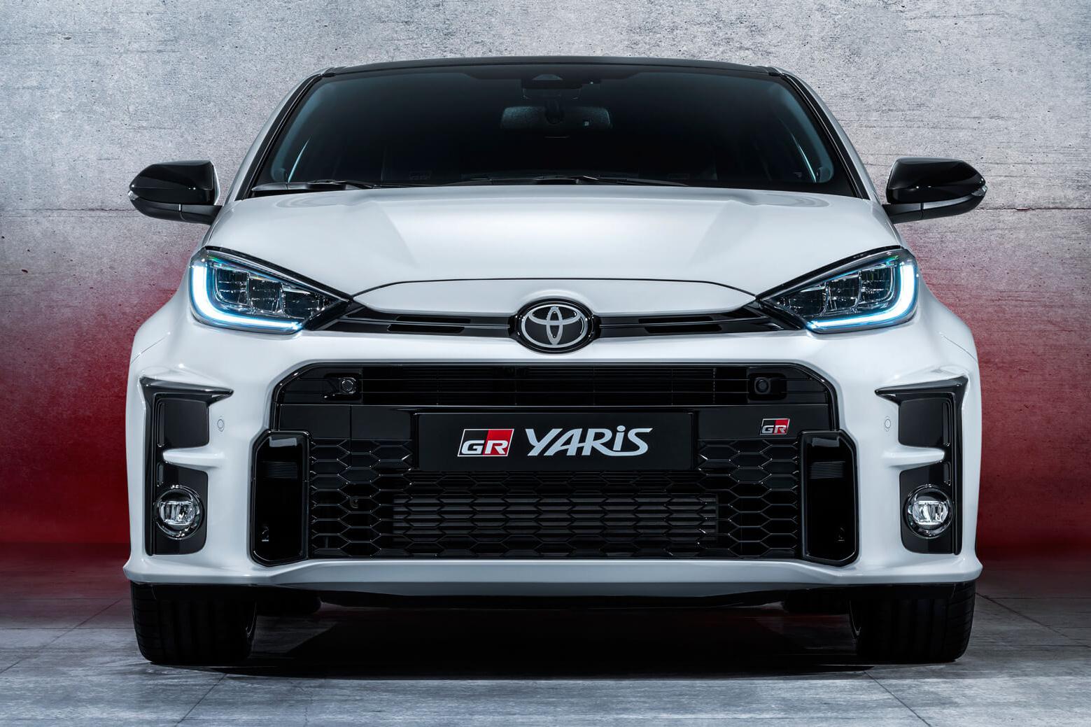 Toyota Yaris đâu chỉ dành cho chị em: Đây là bản khủng khiếp như xe đua