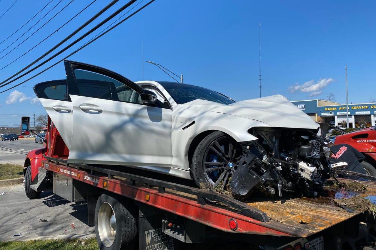 BMW M5 2020 rời đại lý được vài phút đã chuẩn bị được đem bán đồng nát