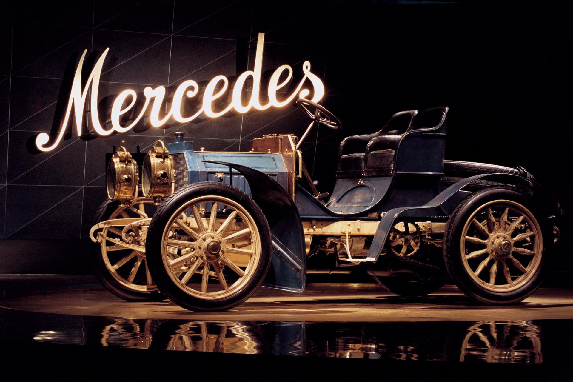 120 năm qua và tới tận giờ, Mercedes-Benz vẫn là thương hiệu xe duy nhất được đặt tên theo một người phụ nữ