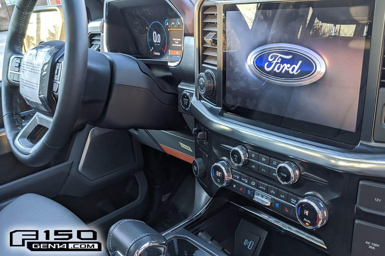 Ford F-150 đời mới lộ trọn vẹn nội thất với dàn màn hình siêu lớn
