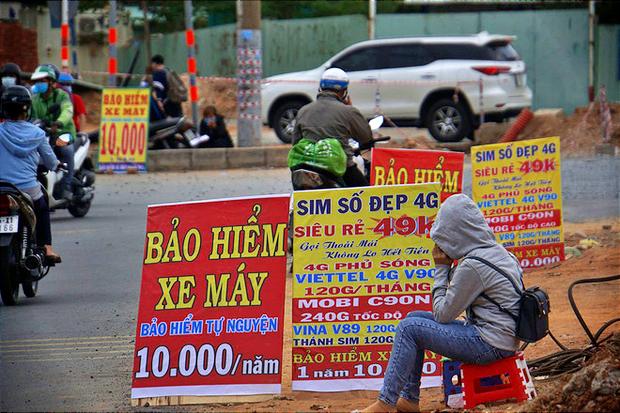 Infographic: Bảo hiểm xe máy 10 nghìn bán đầy đường có giúp được gì khi CSGT dừng xe kiểm tra?  - Ảnh 1.