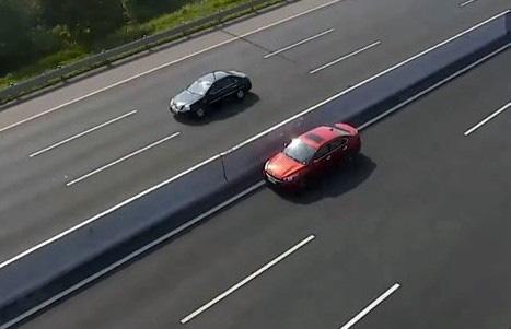 Tài xế lái ô tô ngược chiều làn 120km/h trên cao tốc Hà Nội - Hải Phòng  - Ảnh 1.