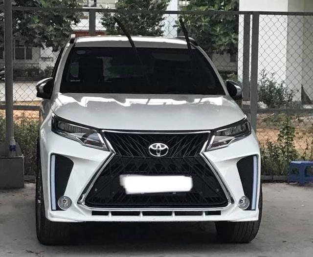 Rộ phong trào Toyota Rush độ phong cách Lexus LX570 SuperSport giá hơn 10 triệu đồng tại Việt Nam - Ảnh 1.