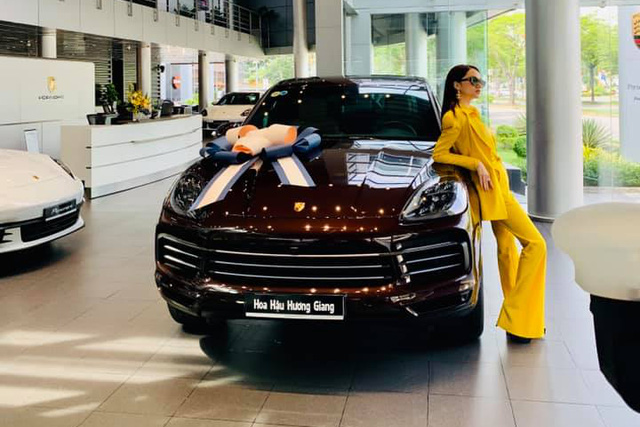 Sắm Porsche Cayenne 2020, hoa hậu Hương Giang tuỳ chọn riêng màu ngoại thất với giá hơn 70 triệu đồng - Ảnh 3.