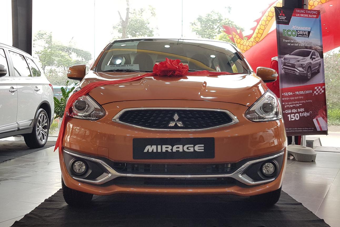 Rộ tin khai tử, Mitsubishi Mirage xả kho giảm giá kỷ lục: Giá cao nhất hơn 400 triệu đồng chỉ ngang Kia Morning
