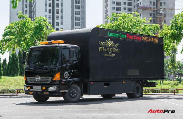Bên trong xe vận chuyển xế khủng cho giới đại gia Hà Nội: Như container hạng sang, độ hết 3 tỷ đồng, có bầu trời sao kiểu Rolls-Royce - Ảnh 2.