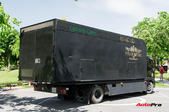 Bên trong xe vận chuyển xế khủng cho giới đại gia Hà Nội: Như container hạng sang, độ hết 3 tỷ đồng, có bầu trời sao kiểu Rolls-Royce - Ảnh 5.