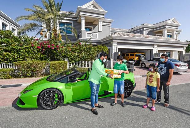 Chỉ có ở Dubai: chủ siêu thị đi Lamborghini để... ship xoài cho khách - Ảnh 4.
