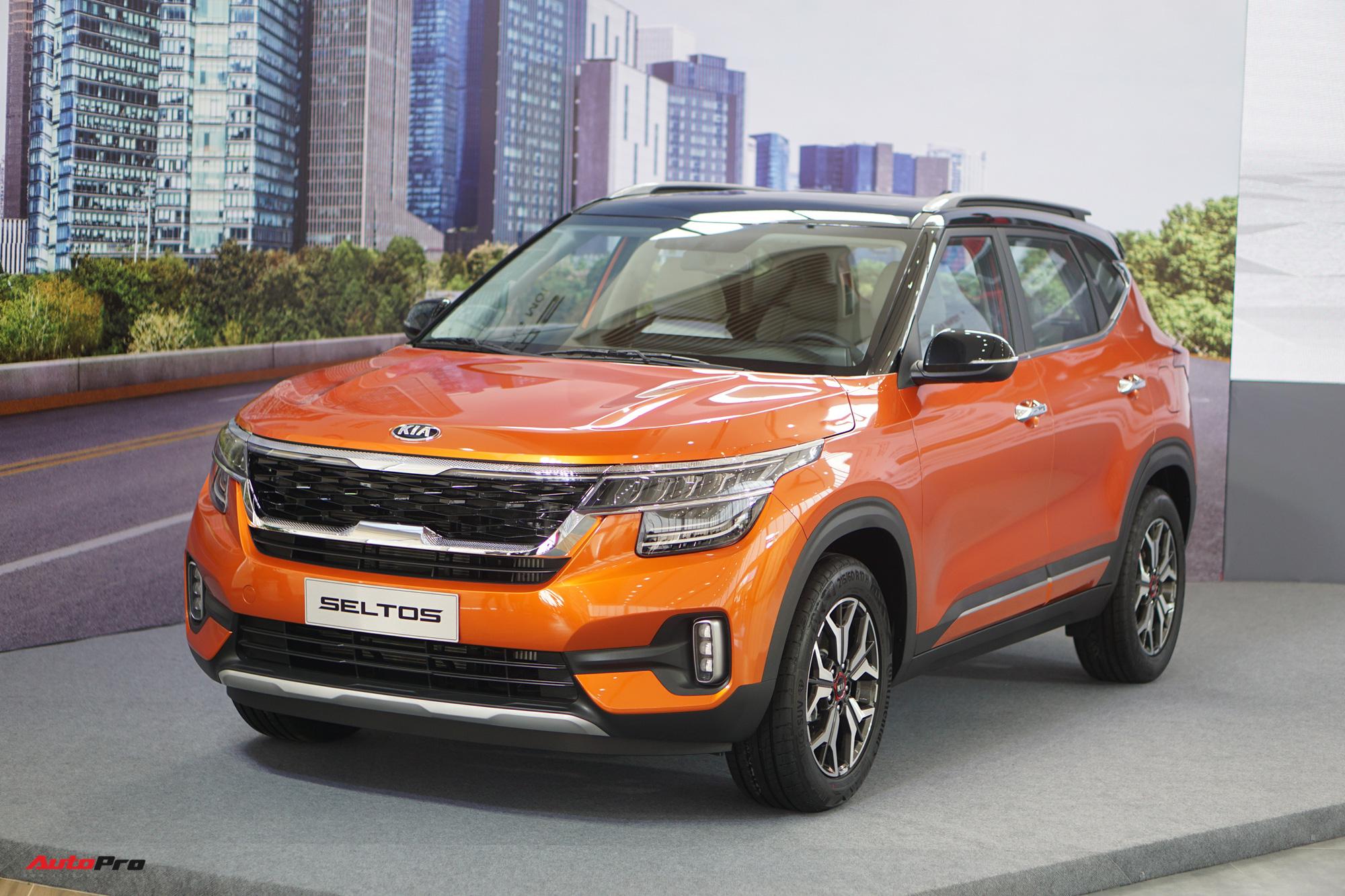 Kia Seltos 1.4L Premium là đối thủ đáng gờm đối với Toyota Corolla Cross 1.8G.