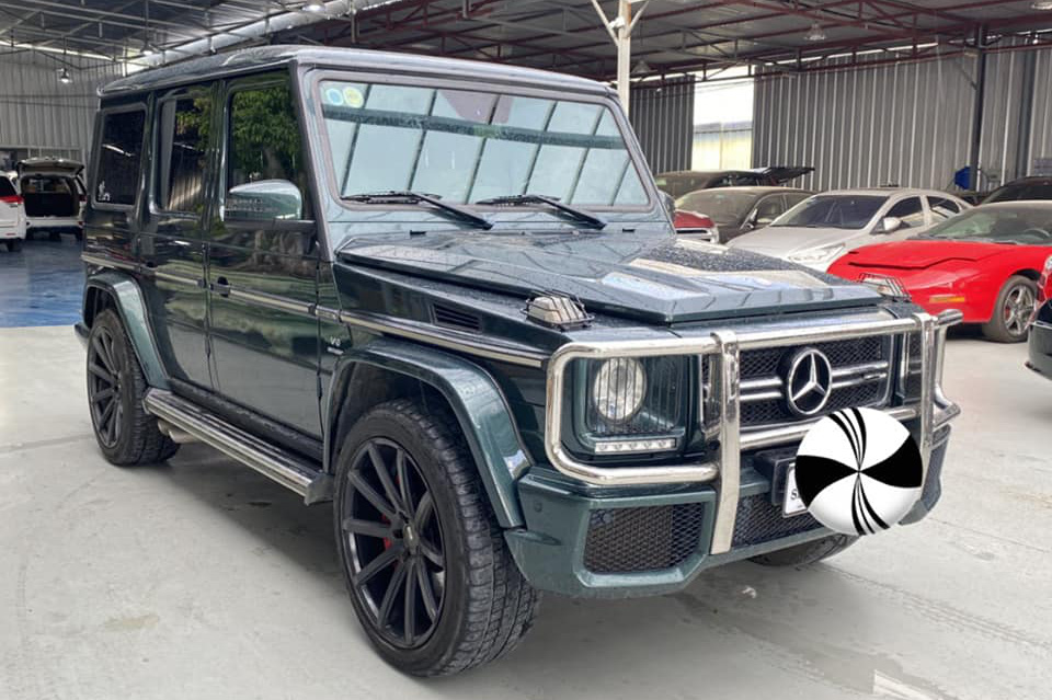 Hàng hiếm Mercedes-Benz G 63 AMG màu dị hạ giá rẻ hơn Lexus LX 570 cả tỷ đồng dù chỉ chạy 4.800km mỗi năm