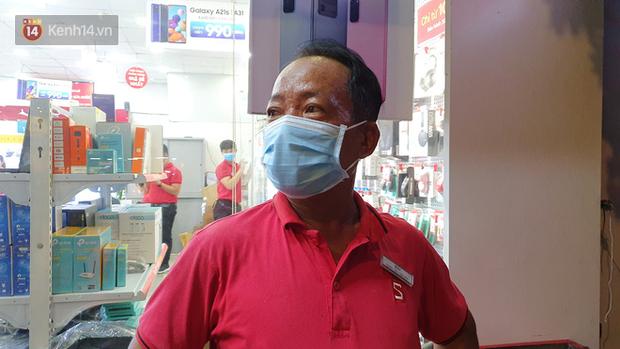 Nhân chứng kể lại giây phút kinh hoàng xe Camry tông hàng loạt xe máy ở Sài Gòn: Người bị thương nằm la liệt, chảy máu nhiều lắm - Ảnh 1.