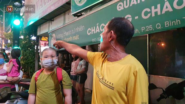 Nhân chứng kể lại giây phút kinh hoàng xe Camry tông hàng loạt xe máy ở Sài Gòn: Người bị thương nằm la liệt, chảy máu nhiều lắm - Ảnh 6.