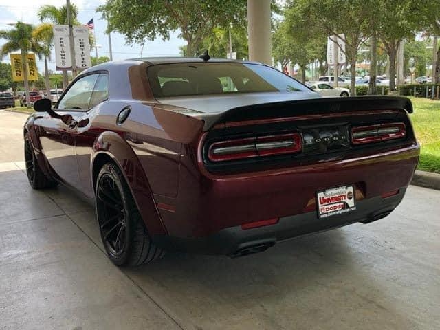 Dodge Challenger SRT Hellcat Widebody chào hàng người chơi tại Việt Nam với giá hơn 8 tỷ đồng: Mạnh hơn 700 mã lực, lốp lớn gây chú ý - Ảnh 3.