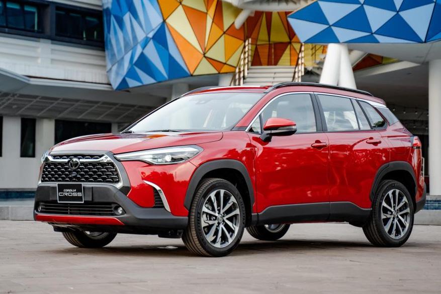 Toyota Corolla Cross ra mắt Việt Nam: Giá từ 720 triệu đồng, đua 'top' công nghệ phân khúc