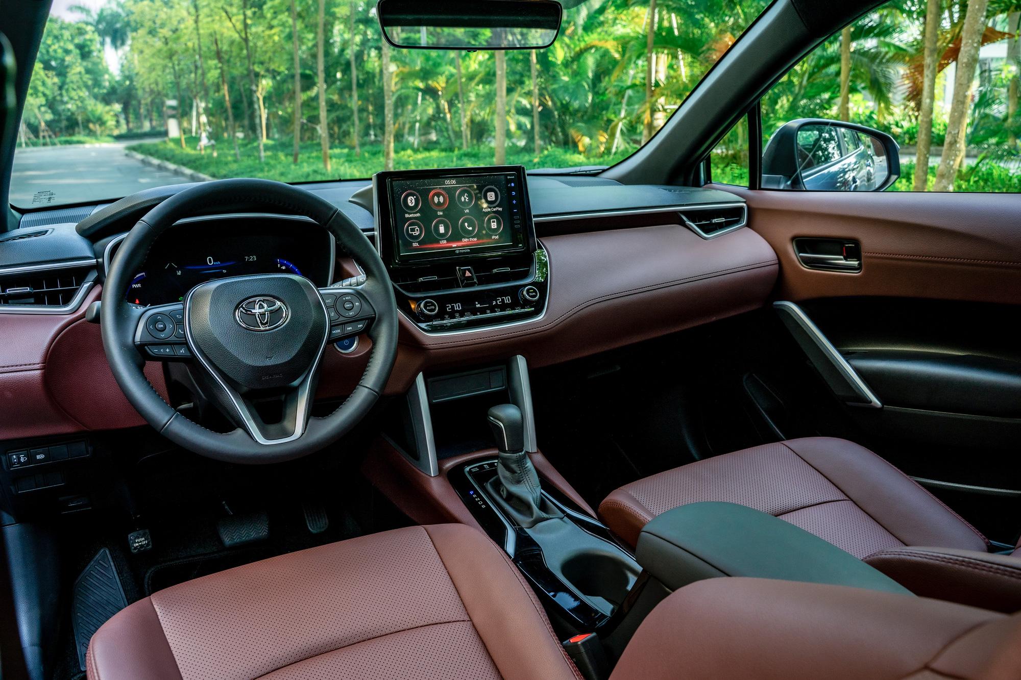 Toyota Corolla Cross tại Việt Nam không thiếu trang bị và tính năng so với thị trường Thái Lan.